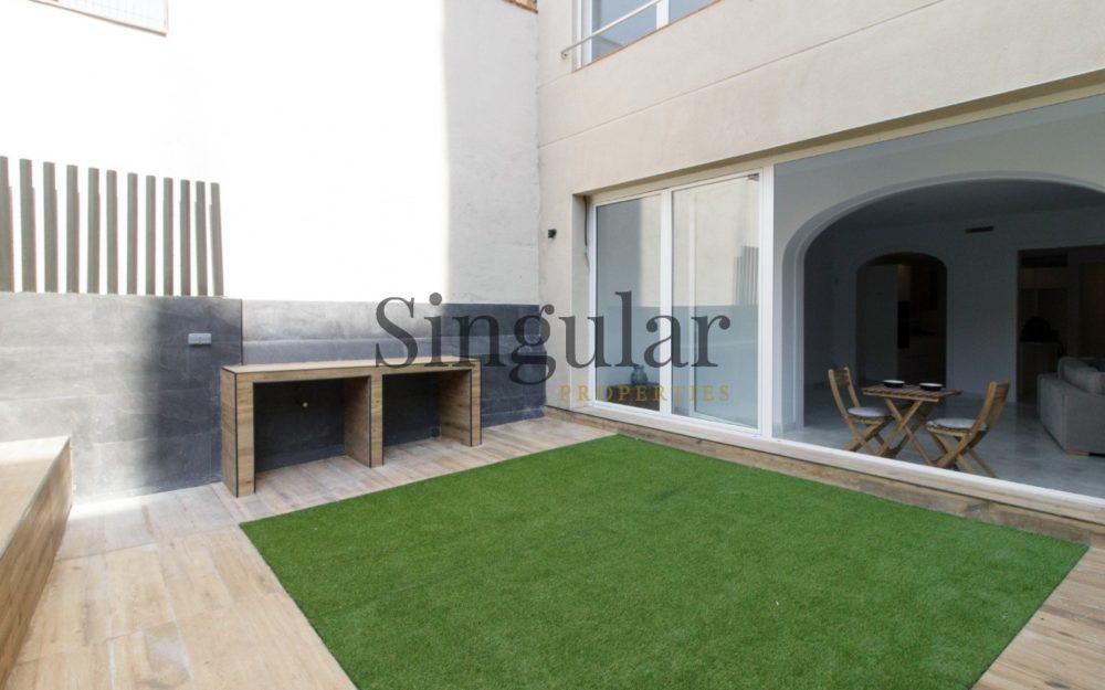 Exclusivo y reformado con terraza. A estrenarReformada
