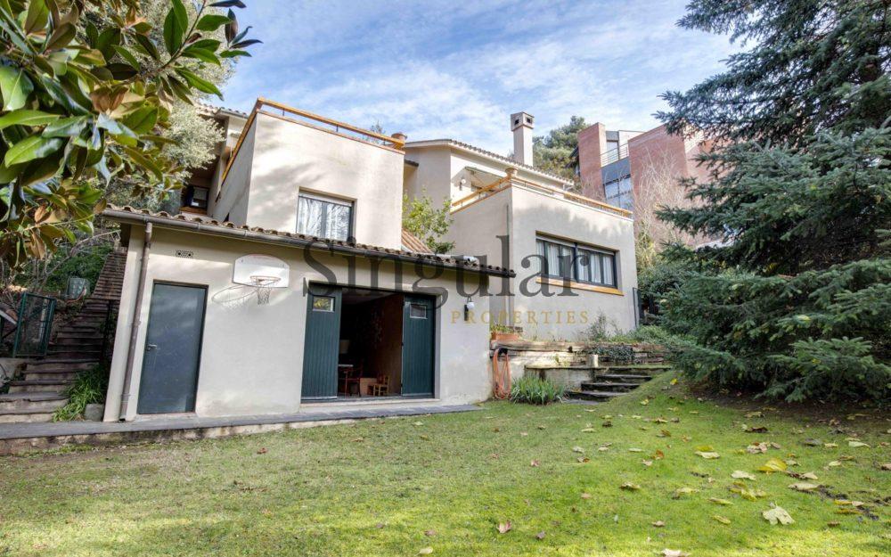 Casa unifamiliar con jardín en Vallvidrera