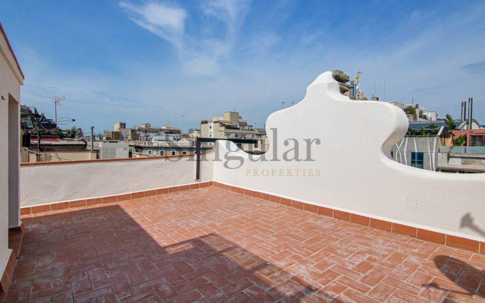 Acabados de alta gama y terraza privada