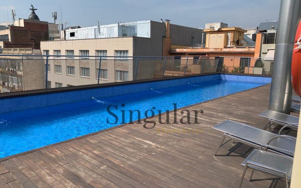 Bonita vivienda con rooftop con piscinas y vistas